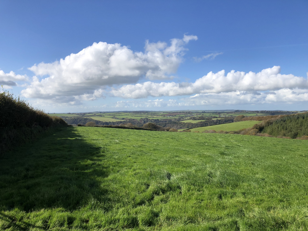 Far reaching views over North Devon to the west