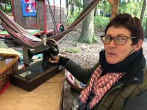 Outdoor quilting and making bunting in Bentley Wood with Mandy